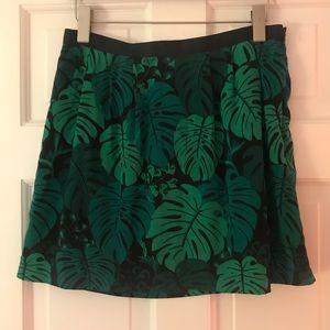 5 for $25! Banana Republic leaf pattern skirt 6